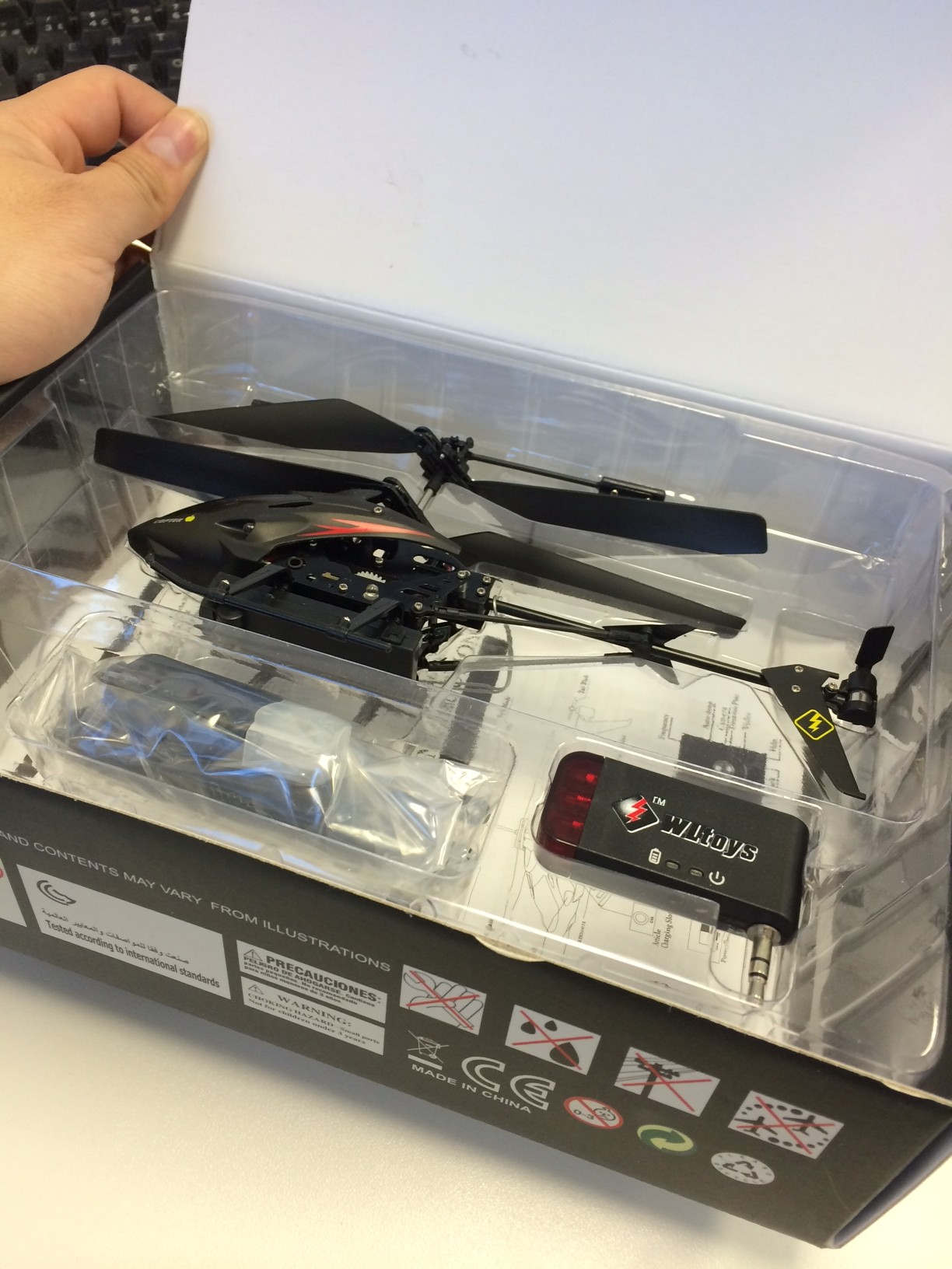 RC S215 Helicopter open box review